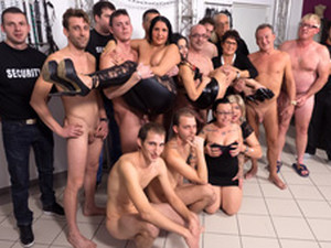 Candy Cox & Lolita & Irina In German Amateur Basement Groupsex - FunMovies