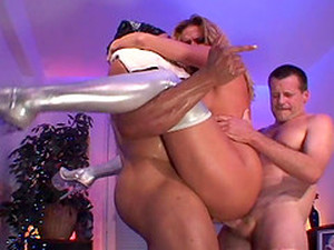Huge Slut Lauren Phoenix Receiving Two Throbbing Schlongs Deep