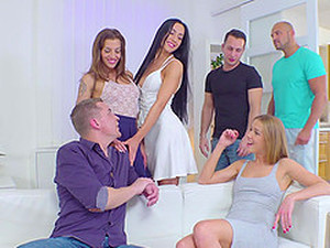 Amazing Alexis Crystal And Her Friends Like To Fuck Together