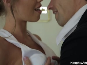 Nicole Aniston & Alan Stafford In Naughty America