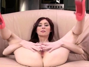 Masturbating And Gapping Her Hole Hole