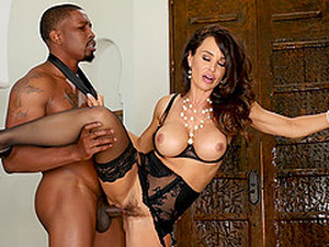 Busty Chick Lisa Ann Craves For A Big Load Of Black Pecker