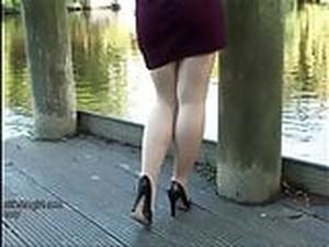 Leggy Babe Makes Your Shoe Fetish Rise High Heel Juices Flow