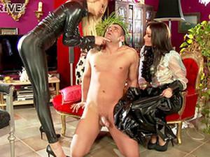 Stunning Porn Star With A Slim Gorgeous Body Enjoying A Hardcore Threesome