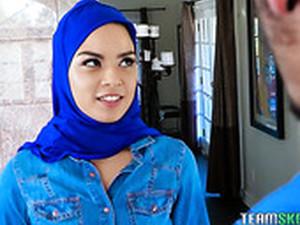 Fucking Hot Arab Babe Maya Bijou Gets Double Penetrated After A Steamy Blowjob