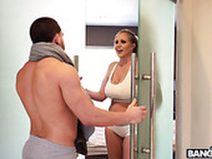 Gorgeous Masseuse Julia Ann Is Serving Her Regular Client At The Highest Level