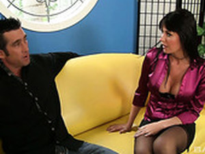 Bitchy Brunette Eva Karera Gives A Blowjob And Gets Her Muff Rammed