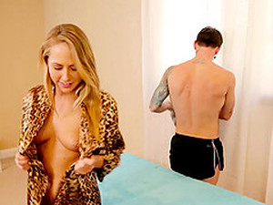Blonde Carter Cruise Begs For Cum In Her Mouth After Pussy Fucking