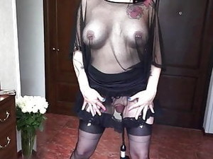 Kinky Slut Pussy Pumping Gaping Insertion