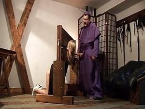 BDSM,Blasen,Arschfick,Sperma drinnen,Italienischer Porno,Reifen,Spanken
