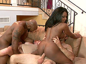 Hard Interracial Humping For Two Ladies With Luscious Booties