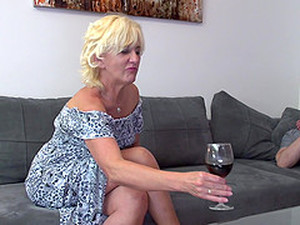 Amateur Mature Blonde MILF Petunia Pussy Pounded Missionary Hardcore