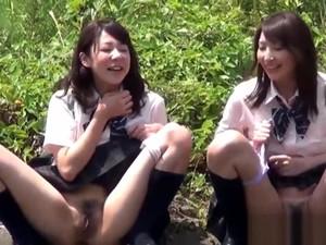 Bizarre Asian Teenagers Peeing Outside