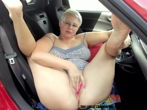 Join This Blonde BBW Playing In The Car....