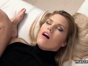 Frisky Czech Nympho Opens Up Her Tight Crack To The Strange