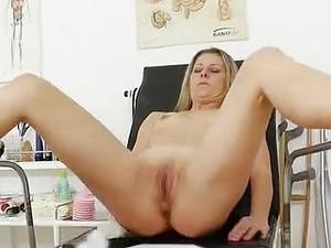 Smokinghot Blonde Lady Getting A Gyno