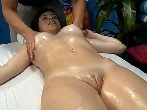 Appealing Babe Receives A Horny Pussy Exploration