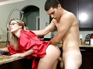 Stepmom With Glasses Gets Dicked By Stepson In The Kitchen