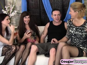 Foursome Cougars Sucking Fucking Big Tits Milfs