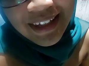Muslim Girl Cam Show