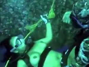 Hardcore Underwater Fuck With A Couple On Vacation