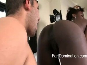 Face Farting