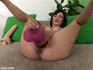 Teen Stretching Her Pussy With A Huge Pink Brutal Dildo In HD