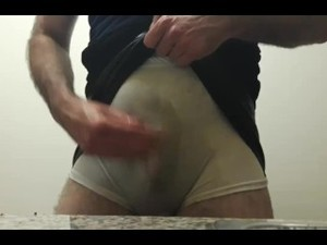 Tranny Edwina Pissing In Panties And Leather Skirt
