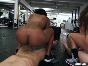 BANGBROS - J-Mac Fucks Valerie Kay, Arianna Knight, And Bianca At The Gym!