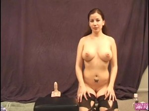 Vivvy Sybian Lounge