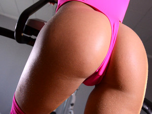 Shana Lane In Shana Lane Masturbates At The Gym Video
