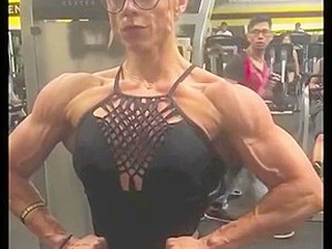 Fit Muscle Women Ball-busting