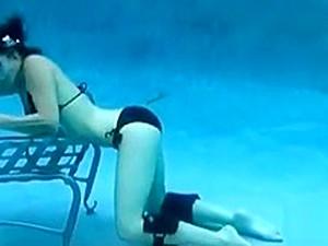 Underwater Masturbation With Crazy Orgasm