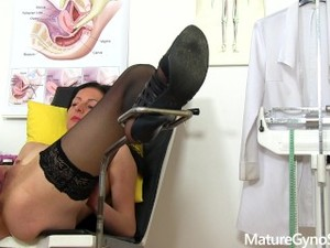 Spy Cam Recording Of Sexy Mature Woman Gyno Exam - MatureGynoSpy.com