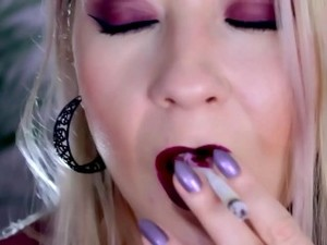 Smoking Hot Lipstick PMV