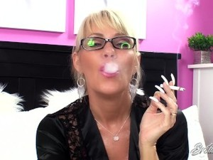 Nikki Ashton - Aunt Nikki Smoke And Stroke - Taboo JOI