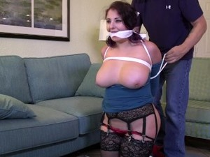 Gia Likes Getting Tied Up