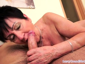 Granny Cougar Drilled In Closeup Scene