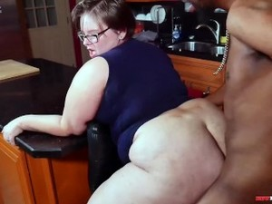 Chubby Cheater Sucks And Fucks Black Neighbor When Hubby Leaves