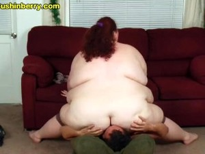 Fat Girl Spread Ass And Spandex Ass Smothering And Facesitting Skinny Guy