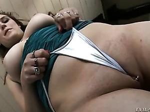 Cameltoe Show With A Sexy Pornstar