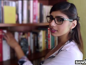 Nicely Shaped Mia Khalifa Deserves To Get Her Wet Lebanese Cunt Fucked Doggy