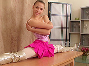 Flexible Girl Valentina Vladimirova (12-HD.wmv)