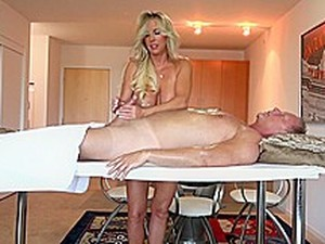 Wifey -Swedish Massage