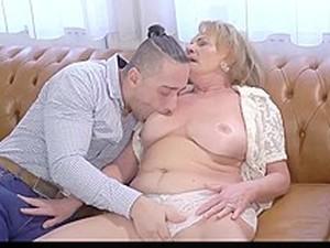 Hottest Granny, Squirt Sex Movie
