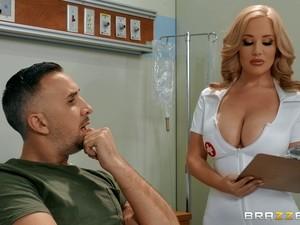 Sexy Nurse Savannah Bond Adores Fuck And A Blowjob In The Hospital