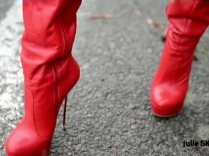 PROSTITUTE IN THE STREET AND I GET SPERM ON MY RED HIGH HEELS BOOTS