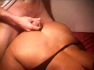 BIG BUTT AMATEUR MILF GETS YOUNG COCKS