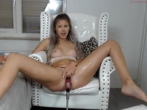 Hot Teen Gets Fucked By Machine And Squirts Fountain