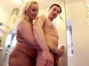 Chubby Big Breasted German Wifey Kitty Wilder Wanna Be Fucked In Shower